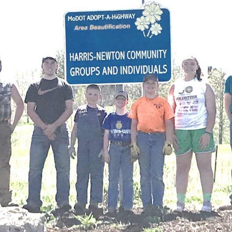 Club members include (left to right): Tristen Faulkner, Johannes Oaks, Liam Oaks, Ryland Oaks, Kaden Oaks, Landry Oaks, and Grant Oaks. Seth Oaks is the Club Leader.